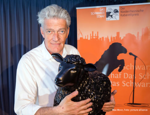 Woidke gratuliert Max Moor zum 60. Geburtstag