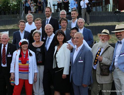 Brandenburger Sommerabend mit Brandenburger Köpfen